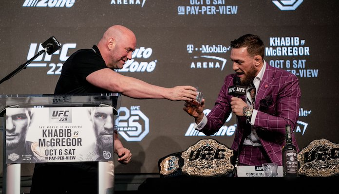 Dana White Conor McGregora